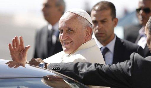 Pabst löst finanzverwaltung des Vatikan auf