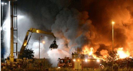 Schweden-Asylantenheim-brennt2