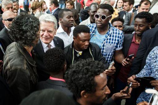 Gauck und flüchtlinge